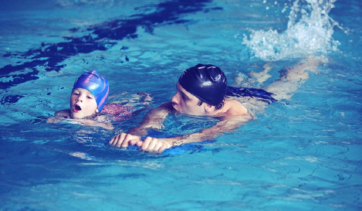 индивидуальный тренер по плаванию для ребенка в Москве