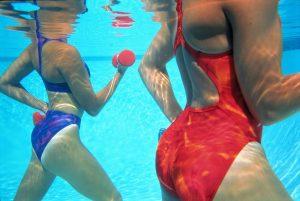 Гимнастика в бассейне для похудения